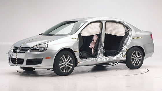 New 2005/06 Jetta aces new side impact  test to simulate a hit by a sport utility vehicle by IIHS